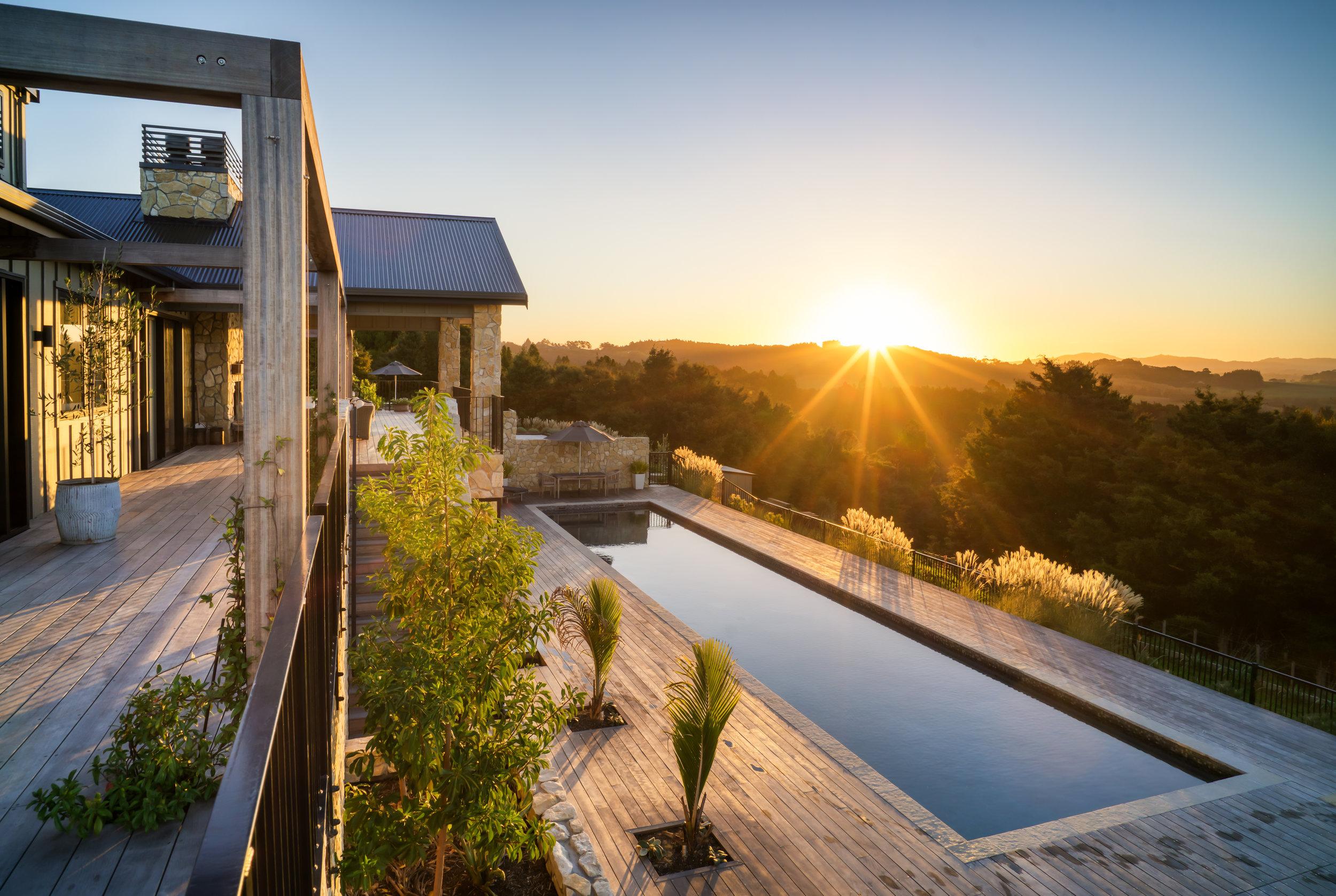Te Arai Lodge Sunset (@curtissimmons).jpg