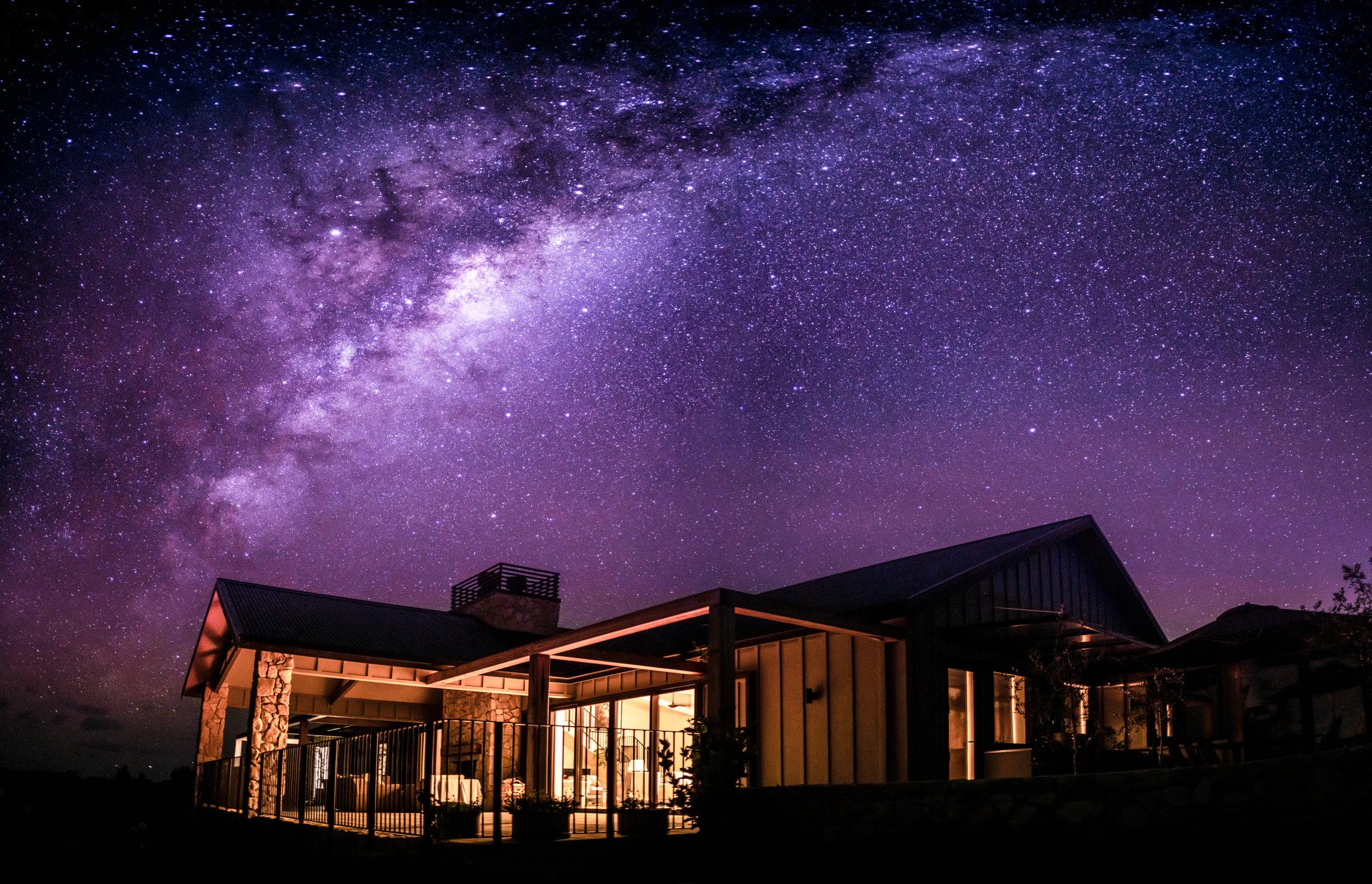 Te Arai Lodge Milky Way (@curtissimmons).jpg