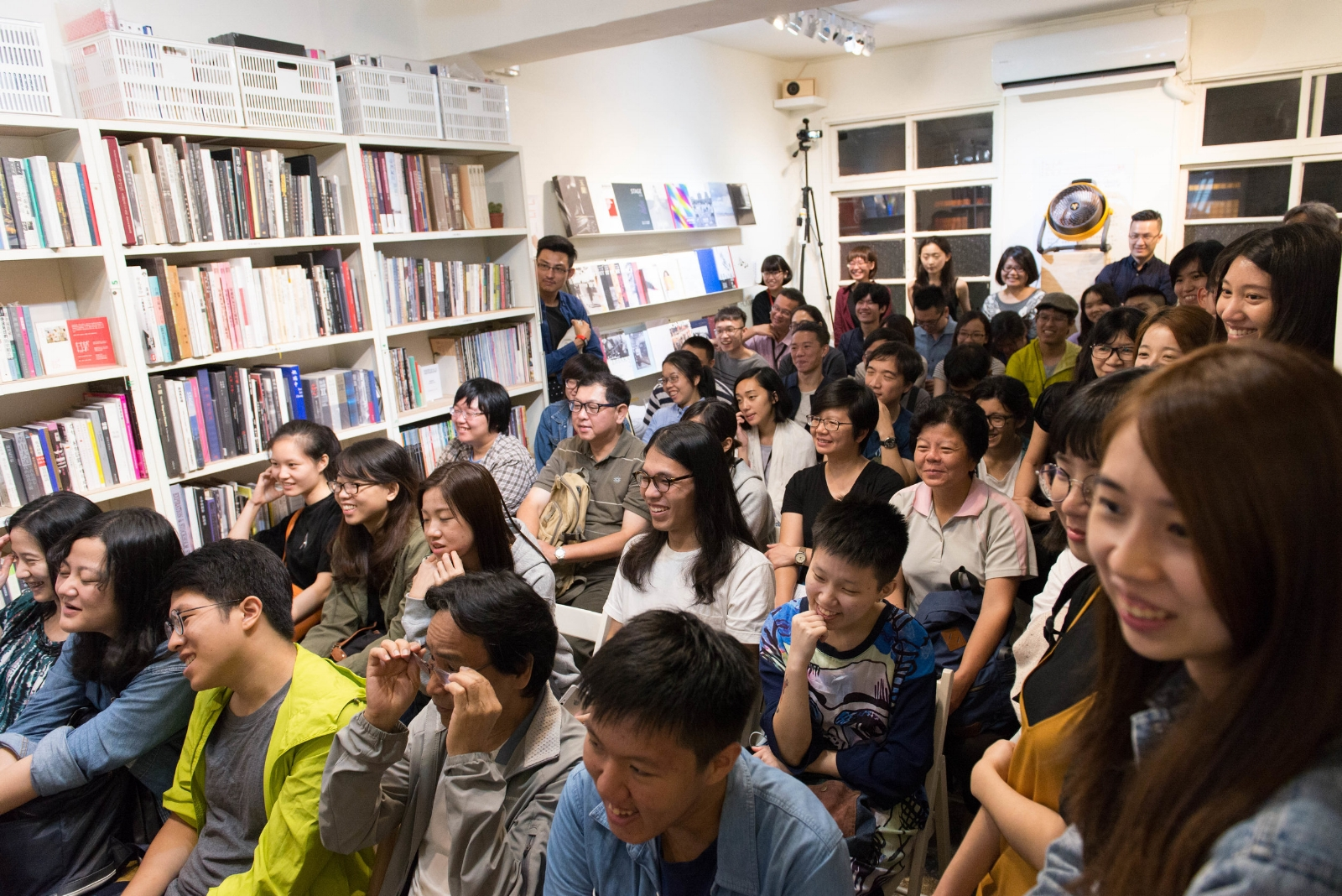 2017_Ann Wang_講座當天的現場觀眾,許多觀眾提問,與講者輕鬆互動,不時傳來歡笑聲.jpg