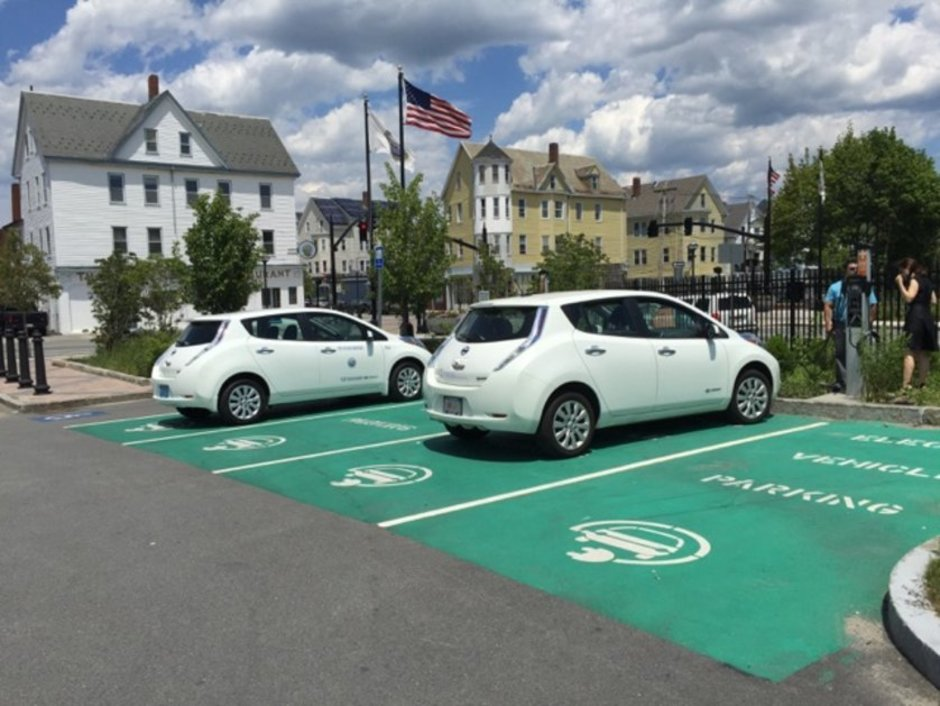 Flickr-EV-charging-Massachusetts.jpg