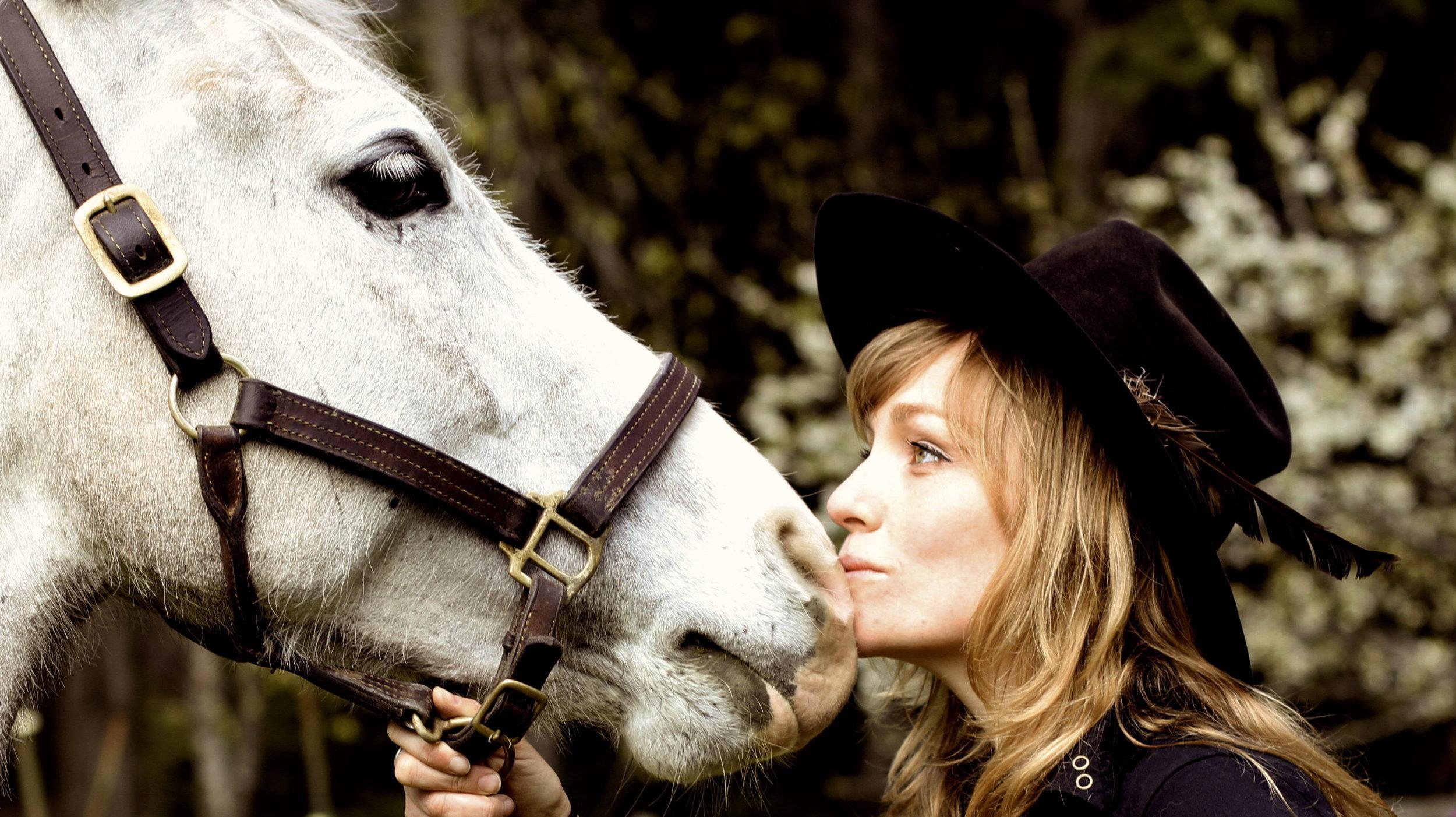 Anneda Horse.JPG