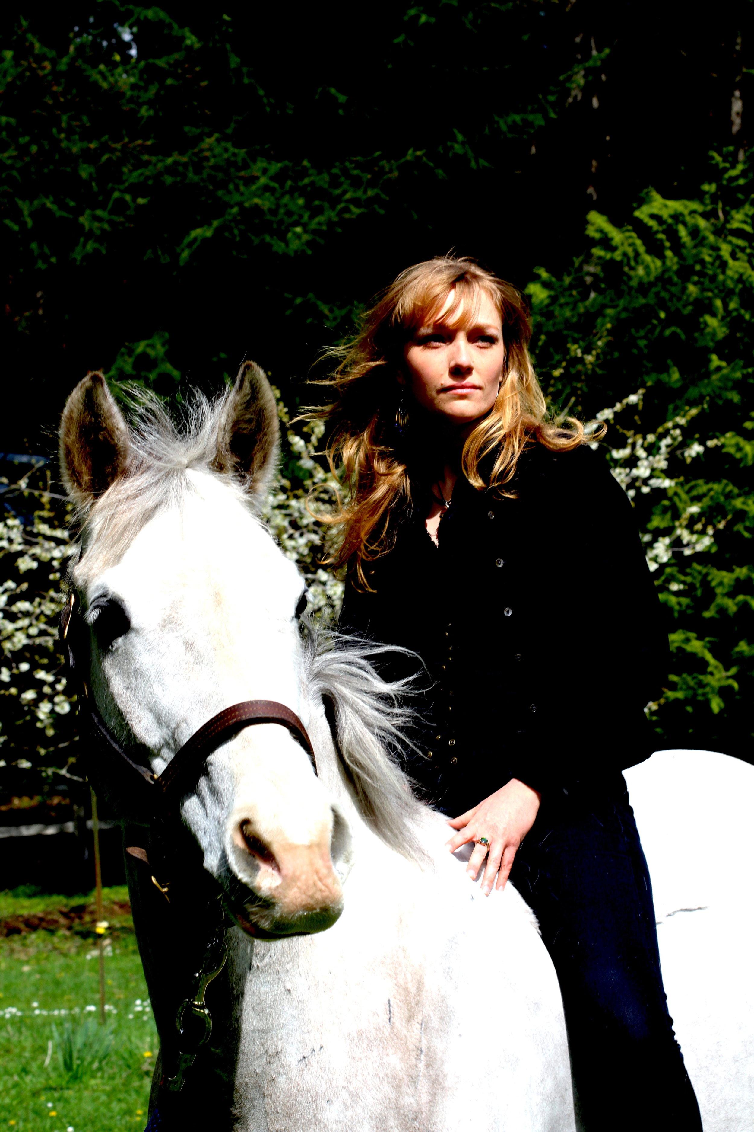Anneda Horse1.JPG
