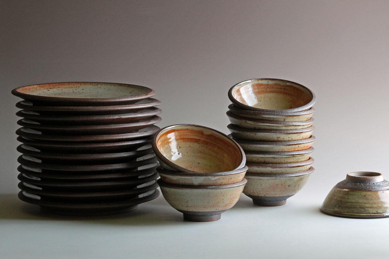 custom stoneware dinnerware