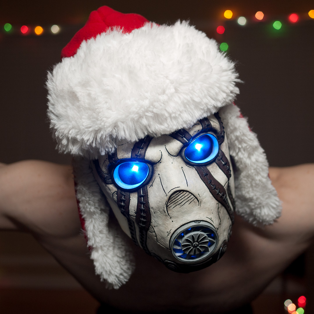 Borderlands Psycho Bandit Mask Replica With Holiday Hat