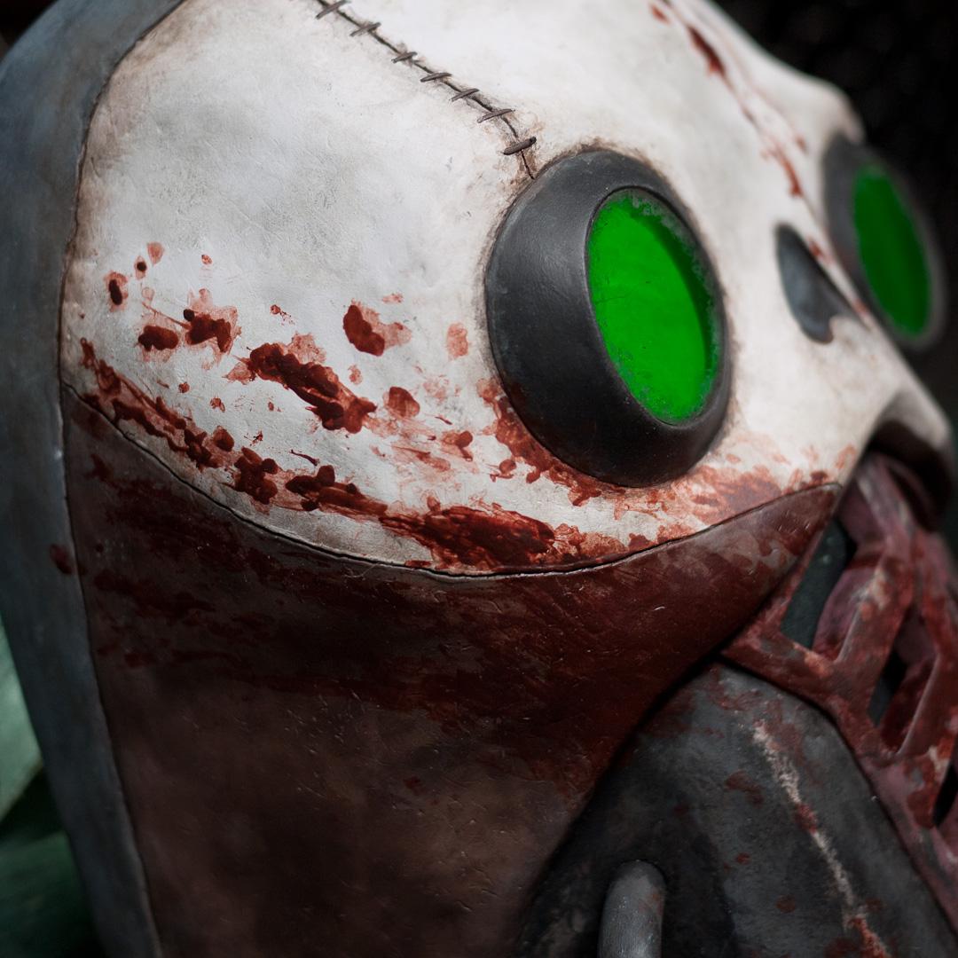 Borderlands 2 Bandit Steve Mask Replica Eye Close-up Side View