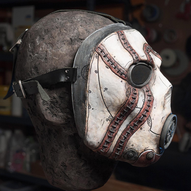 borderlands-psycho-bandit-mask-painted-cast-2.jpg