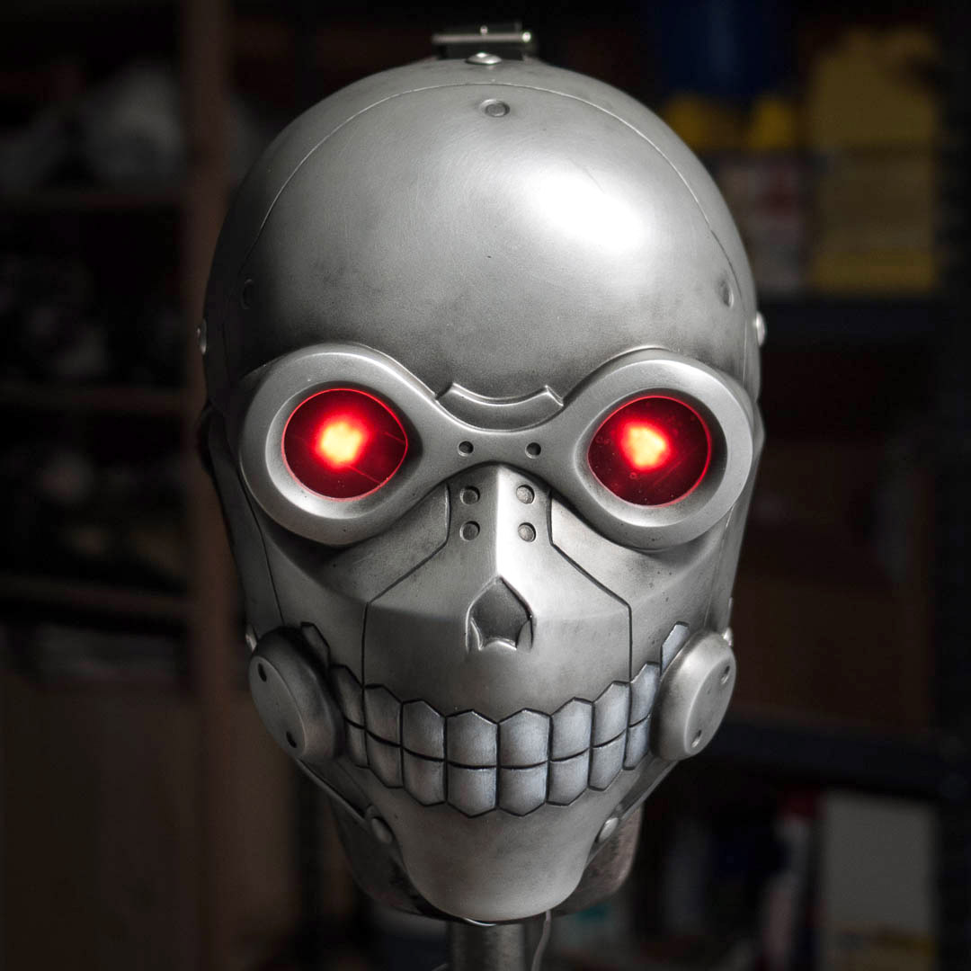 Sword Art Online Death Gun mask with glowing eyes