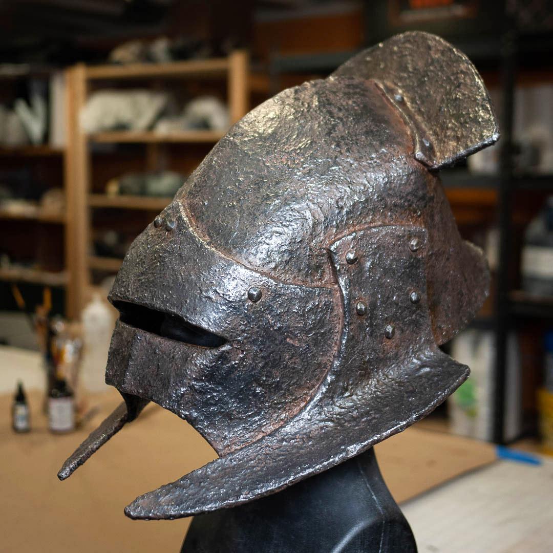 uruk-hai-swordsman-foam-helmet.jpg
