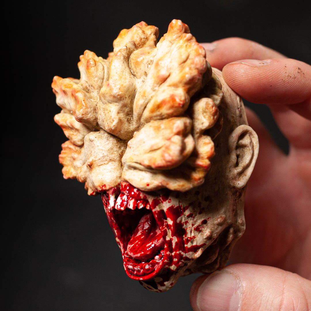 the-last-of-us-clicker-magnet-sculpt-painted-with-blood.jpg