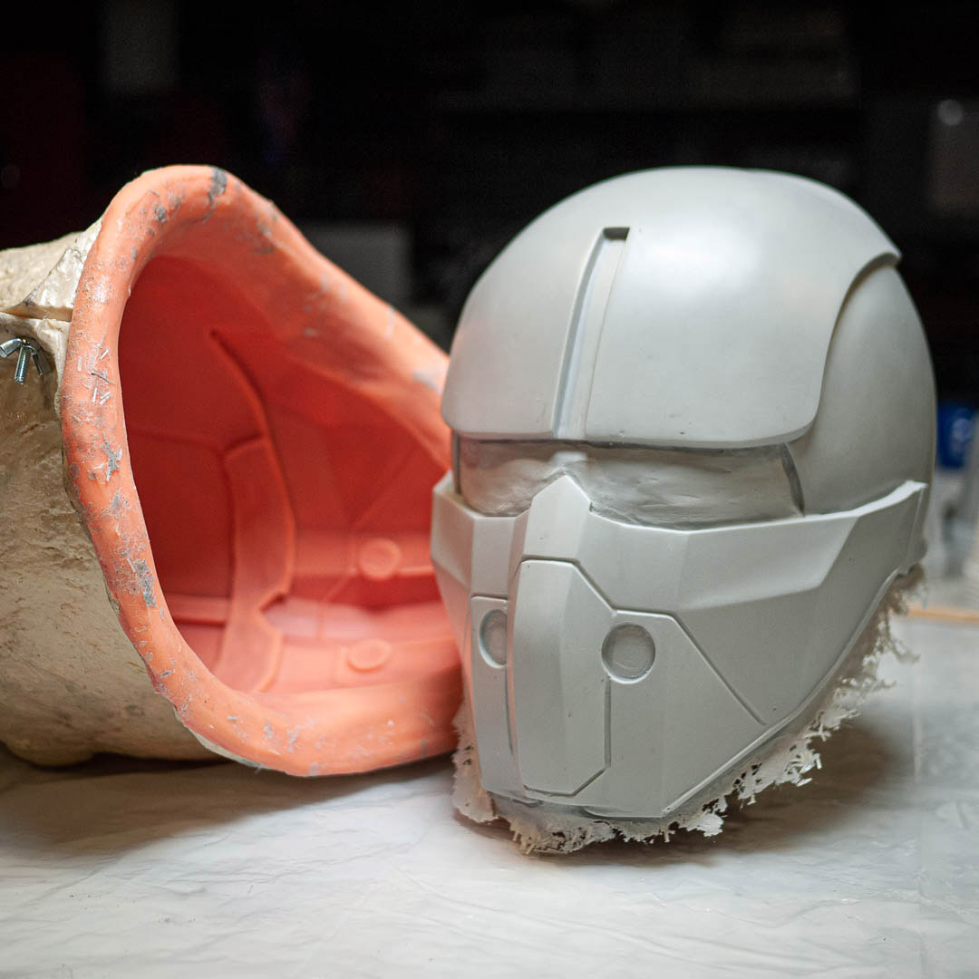 fallout-4-synth-field-helmet-silicone-mold-and-fiberglass-cast.jpg