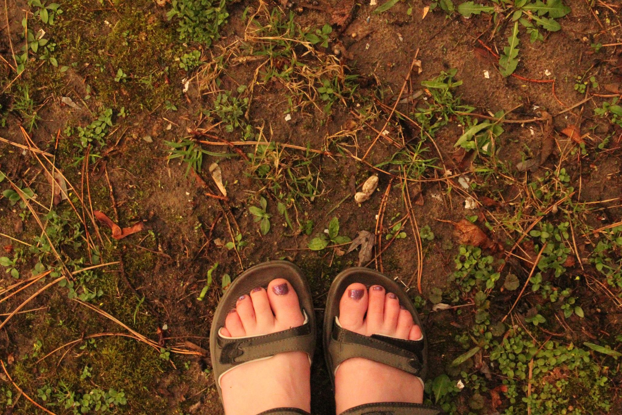 Stephanie Onderchanin, 'Feet', Flickr, Creative Commons