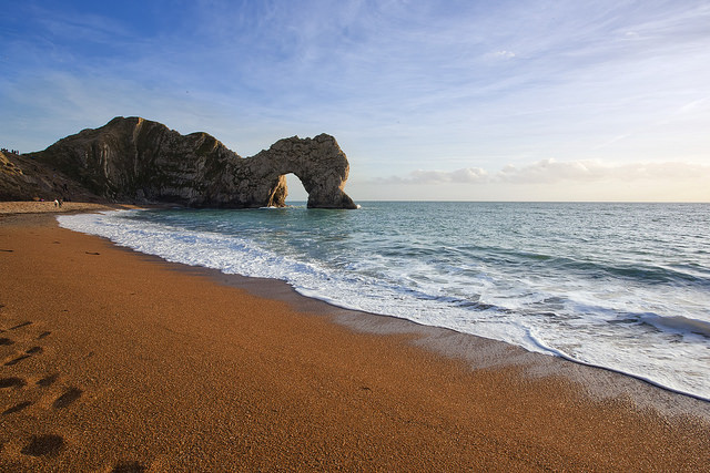 DURDLE'S DOOR, DORSET. PHOTO VIA     KOSALA BANDARA/FLICKR