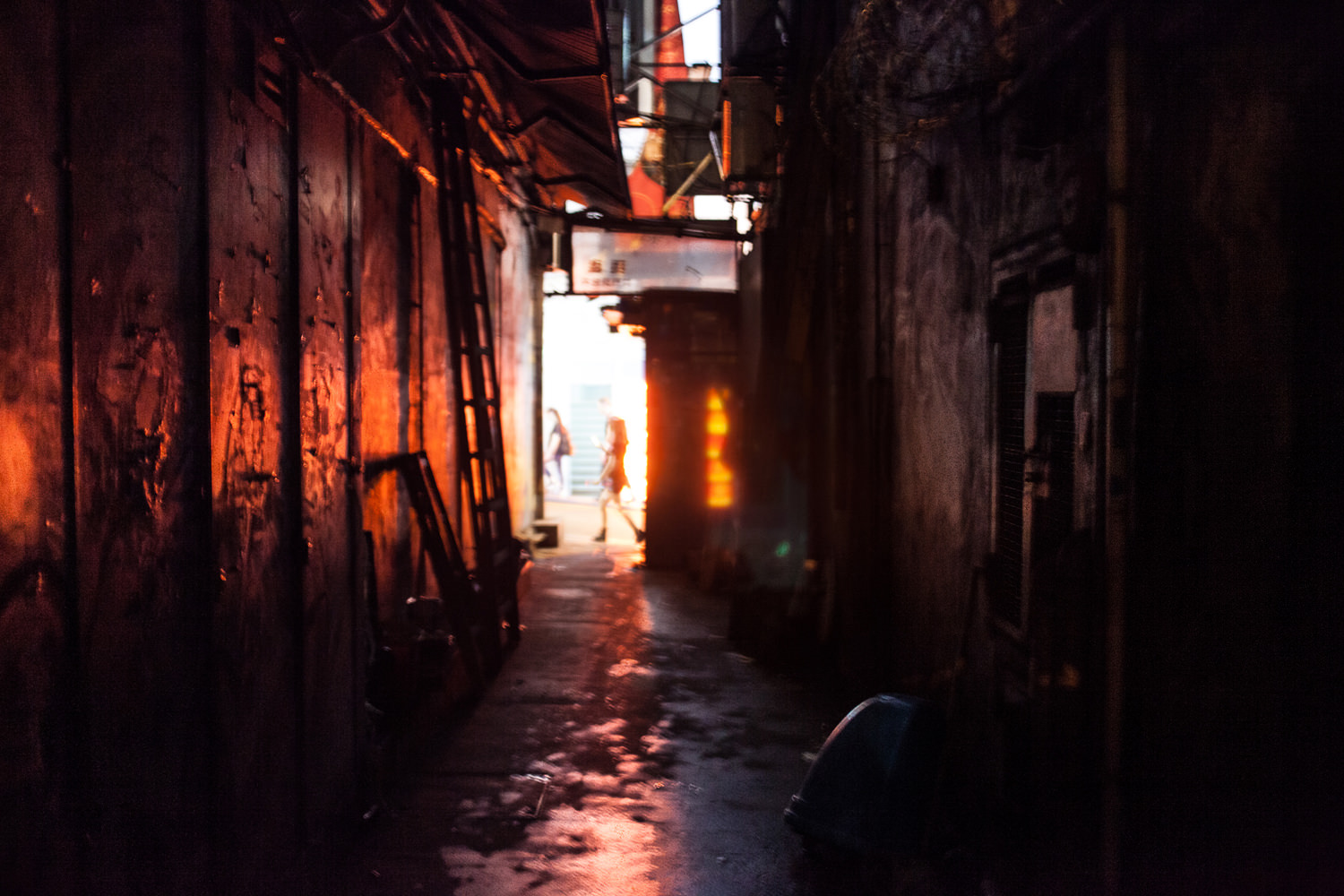 I have no idea where in Hong Kong this alley is. I'm guessing near Lan Kwai Fong.