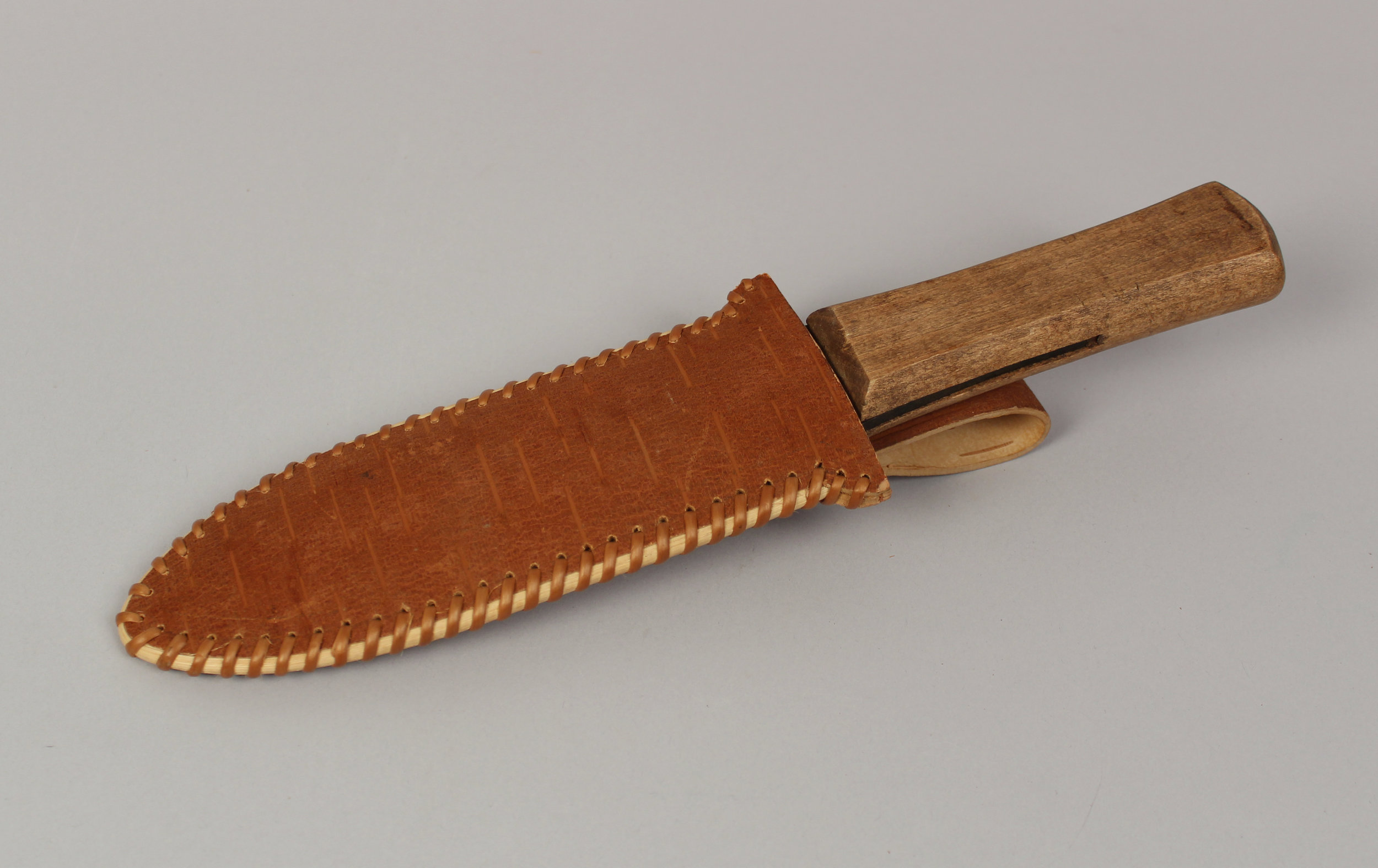 David knife sheath v1.jpg