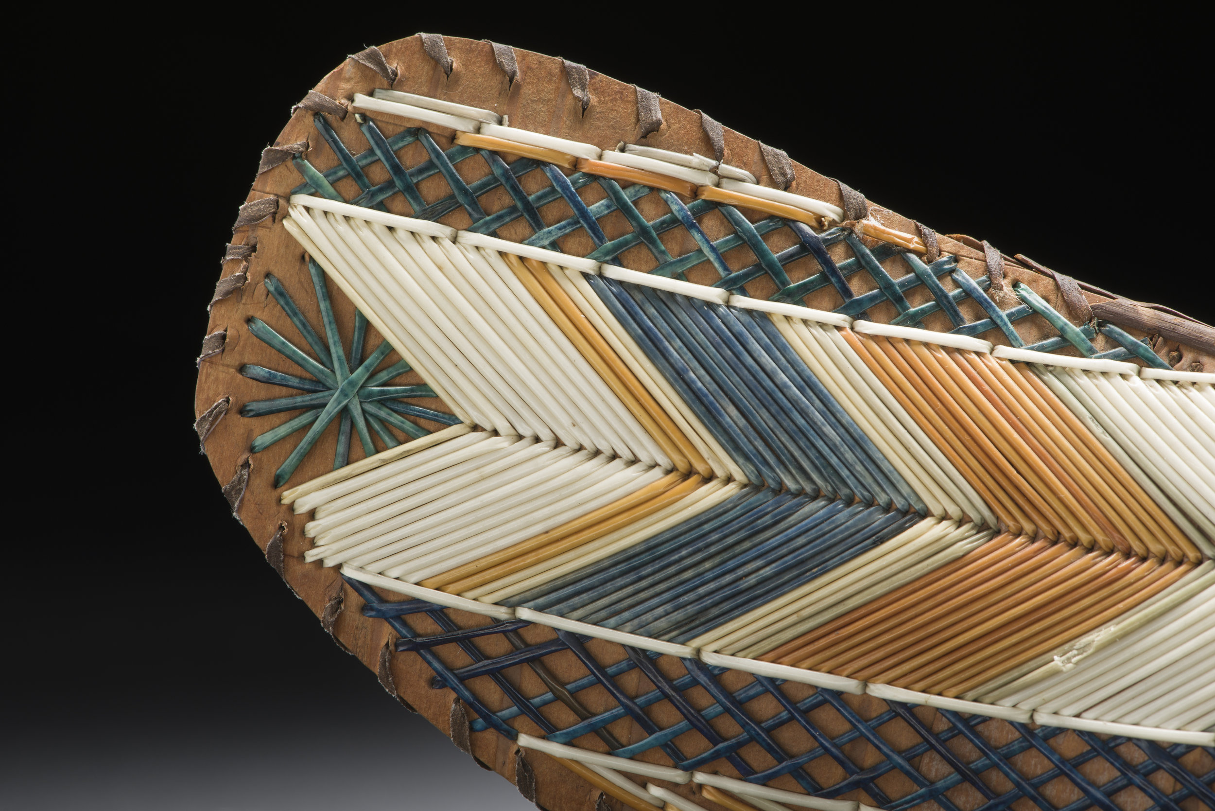Model Canoe Peabody Essex Museum E4212_detail-01.jpg