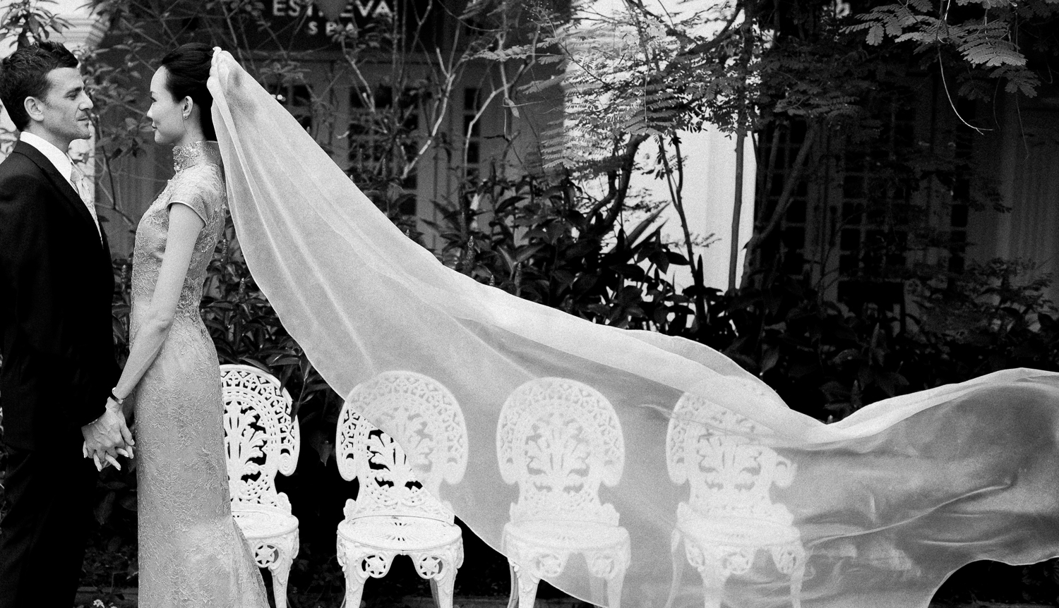 Waving of the veil of the bride