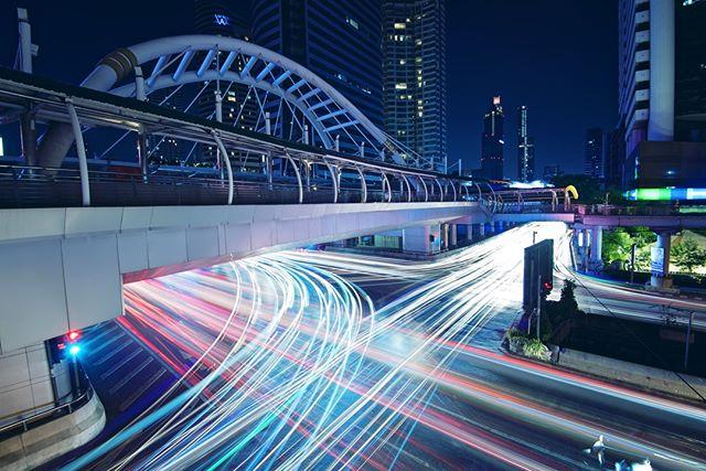 Cool tones in shadows seem naturally pleasing to the eye⠀⠀⠀⠀⠀⠀⠀⠀⠀ ⠀⠀⠀⠀⠀⠀⠀⠀⠀ ⠀⠀⠀⠀⠀⠀⠀⠀⠀ ⠀⠀⠀⠀⠀⠀⠀⠀⠀ #nightphotography #nightimages #longexposure_shots #night_shooterz #Citygrammers #500px #eyeemoninstagram #splendid_visuals #illGrammers #NikonAsia #MoodyGrams #MG5k #fx_hdr #FlySQ #SingaporeAir #SQavgeek #LeagueofLenses #creativeoptic #creativeoptics #co10k #UA9K #webangkok #bangkokcityvibes #urbanandstreet #uas10k #urbanandstreet #streetsvision #UrbanAisle #instasgSundayLeadinglines #instasgSunday10pm