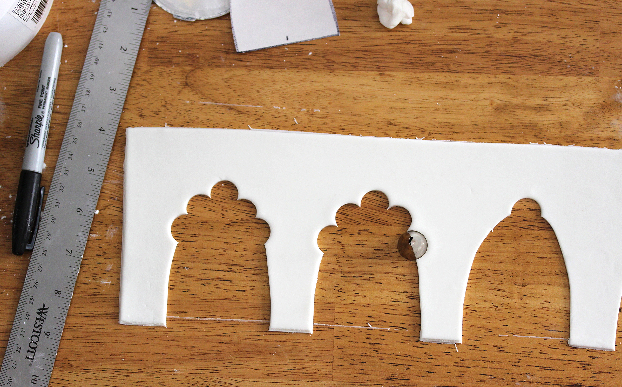 fondant arcade with scalloped arches completely optional