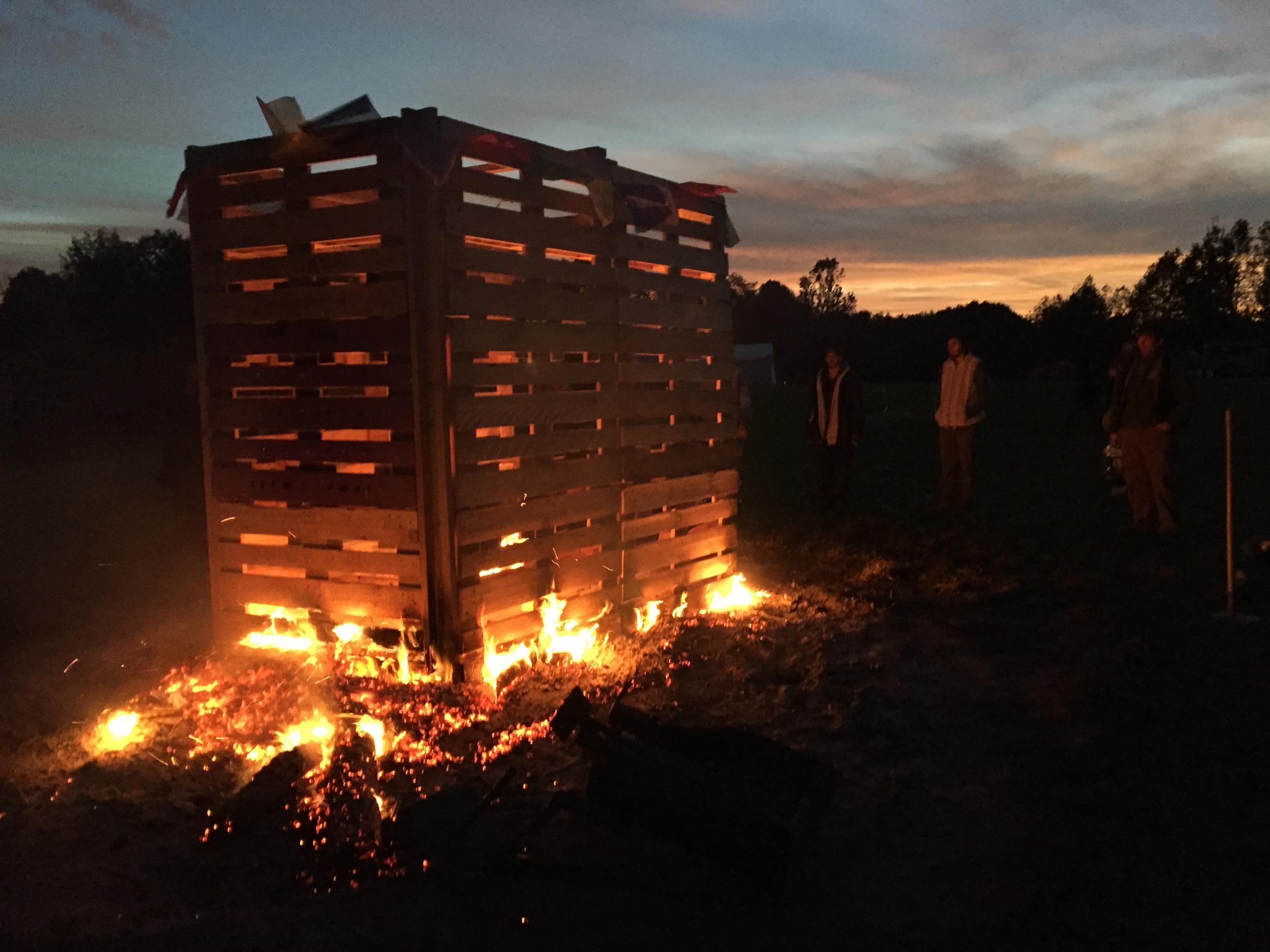 Temple burn at dawn, Mosaic 2015