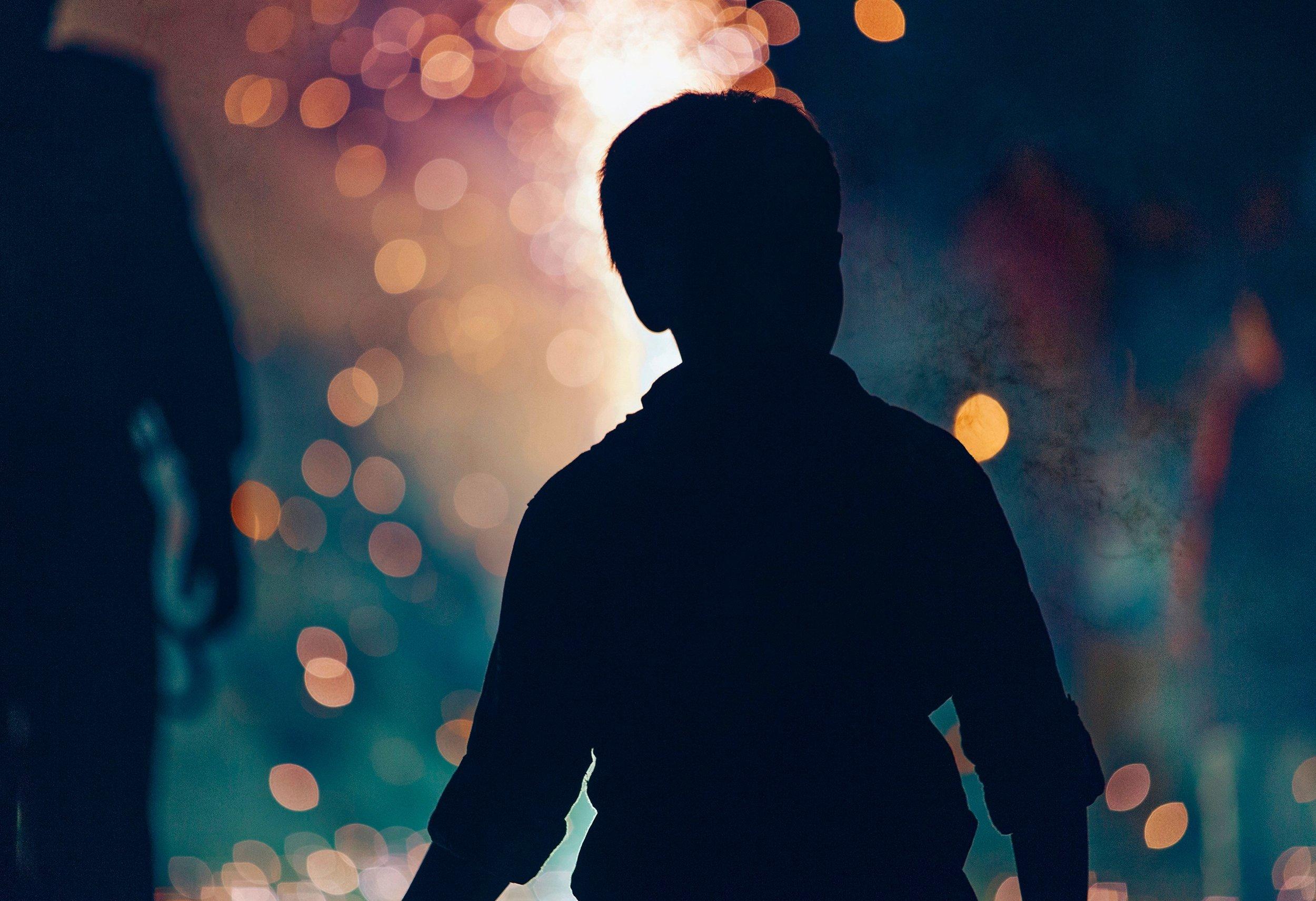 silhouette-light-people-night-boy-kid-1223854-pxhere.com.jpg