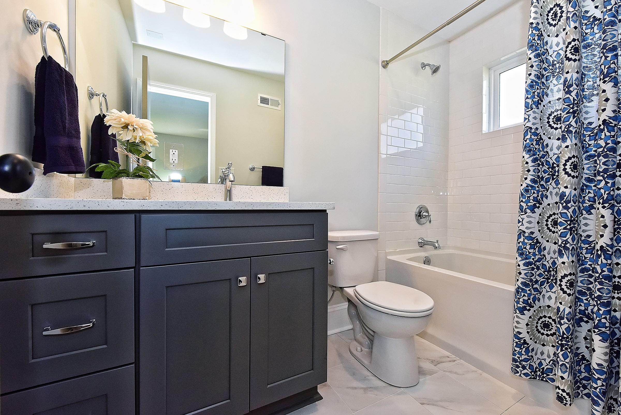 044_Bathroom.jpg