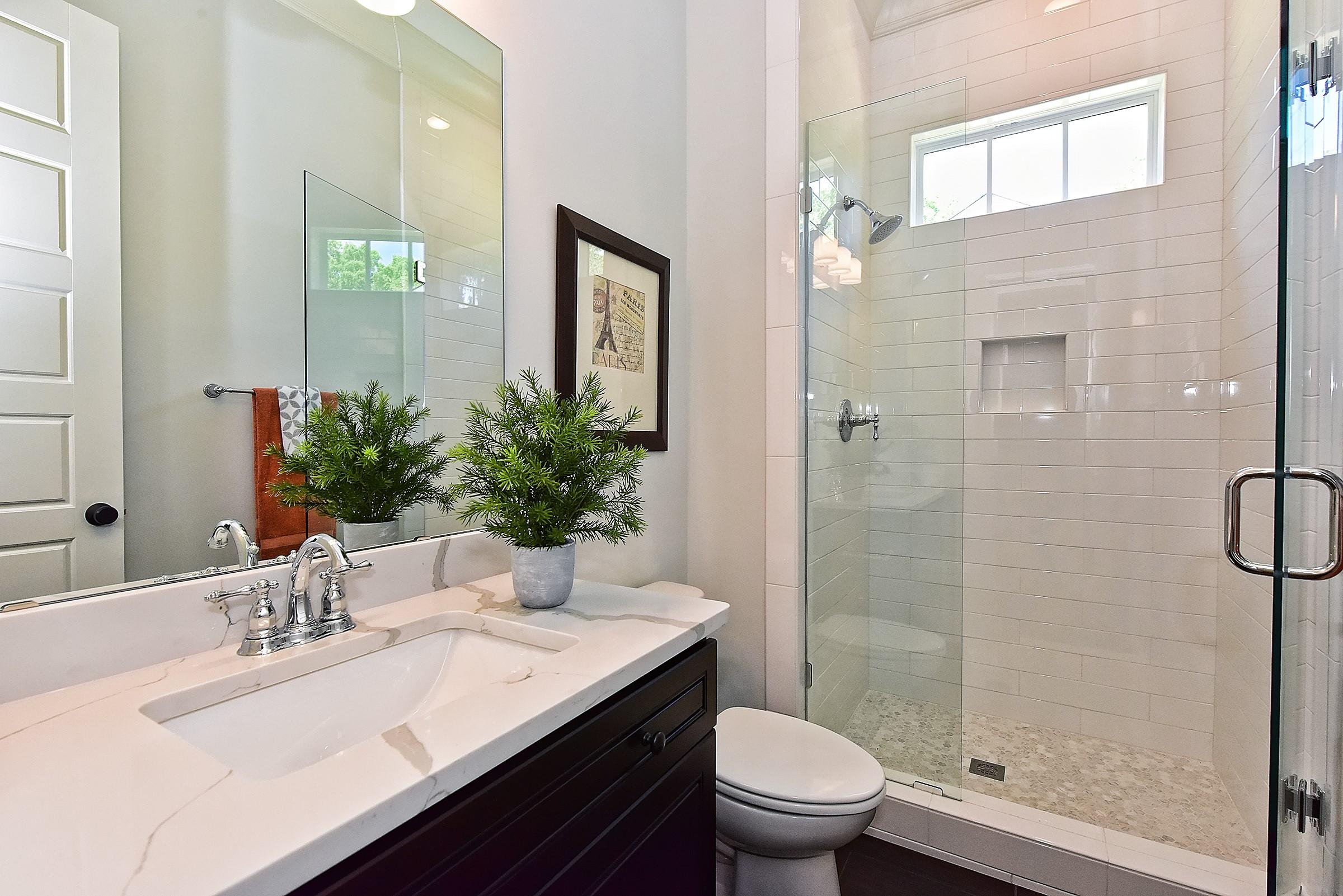 017_Bathroom.jpg