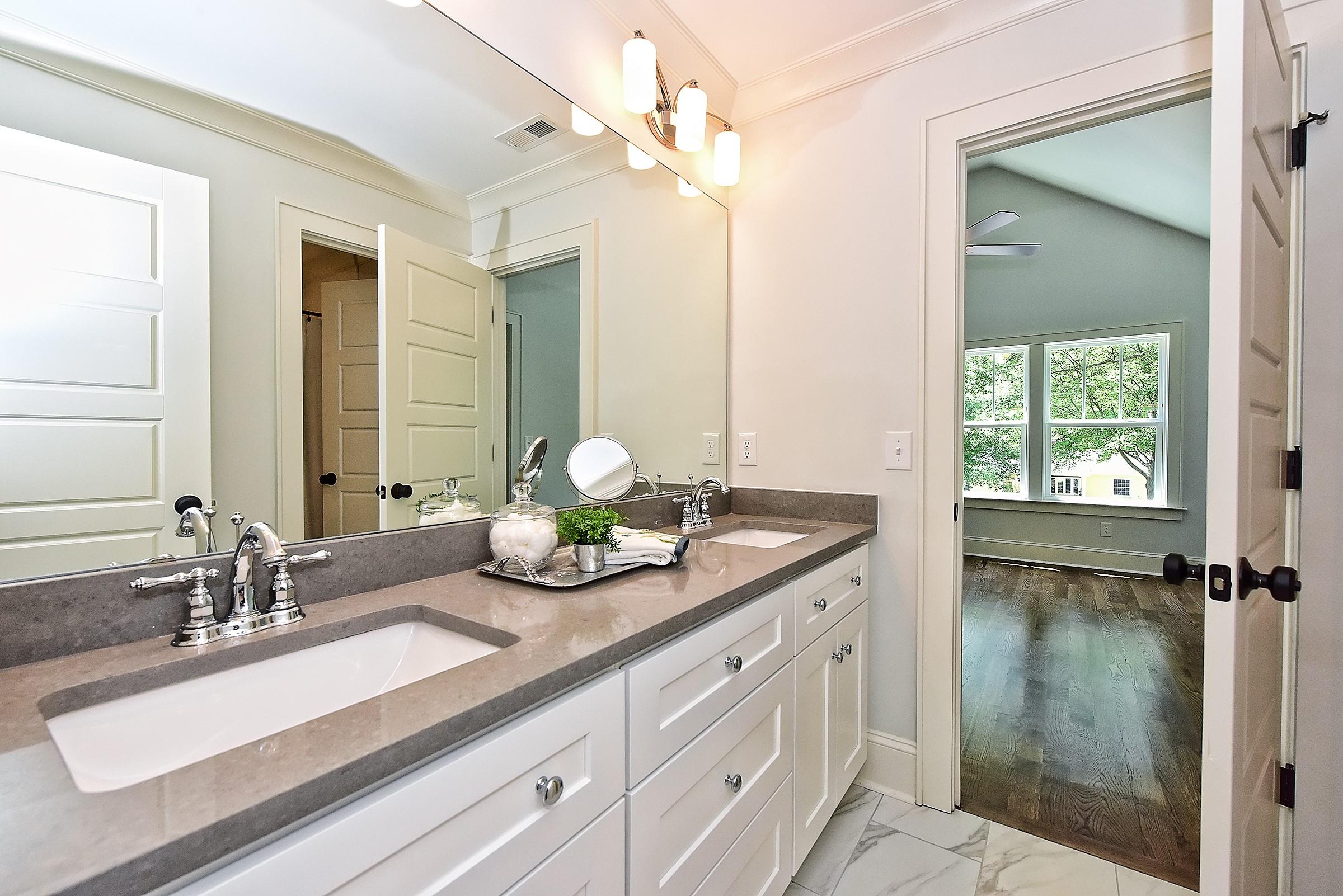 046_Bathroom.jpg