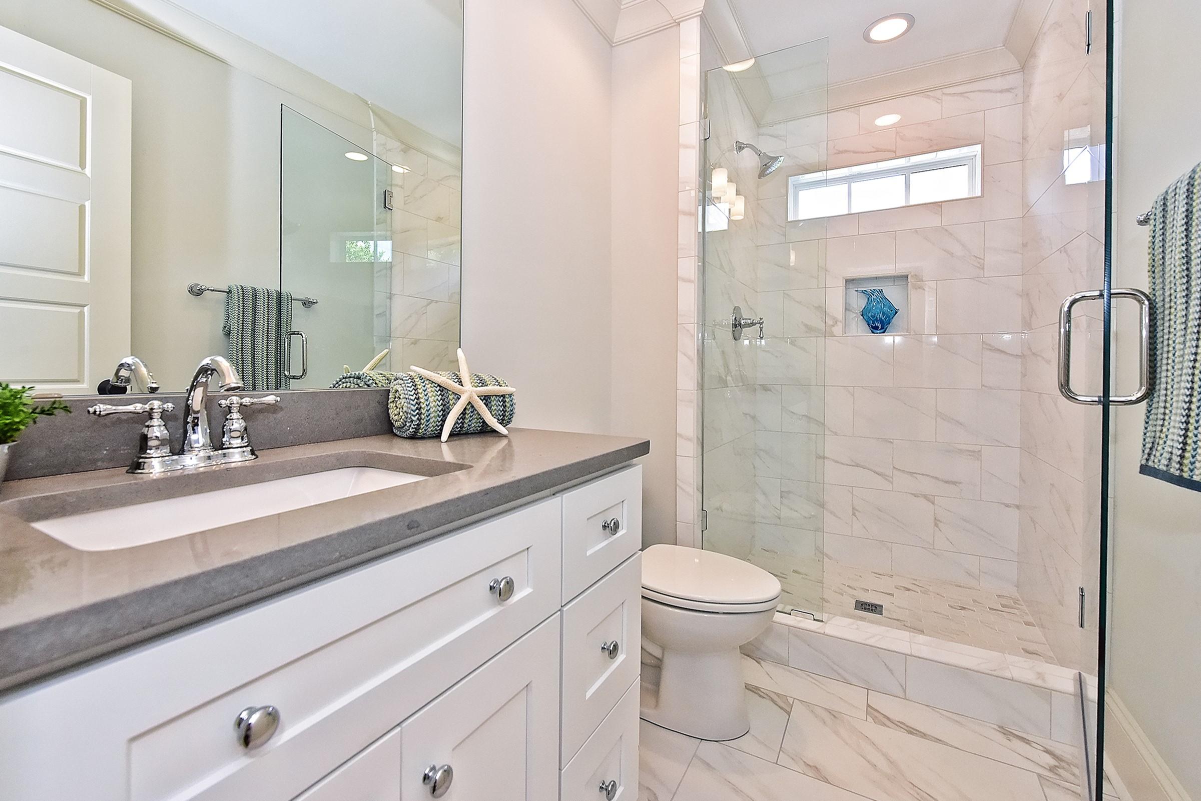 050_Bathroom.jpg