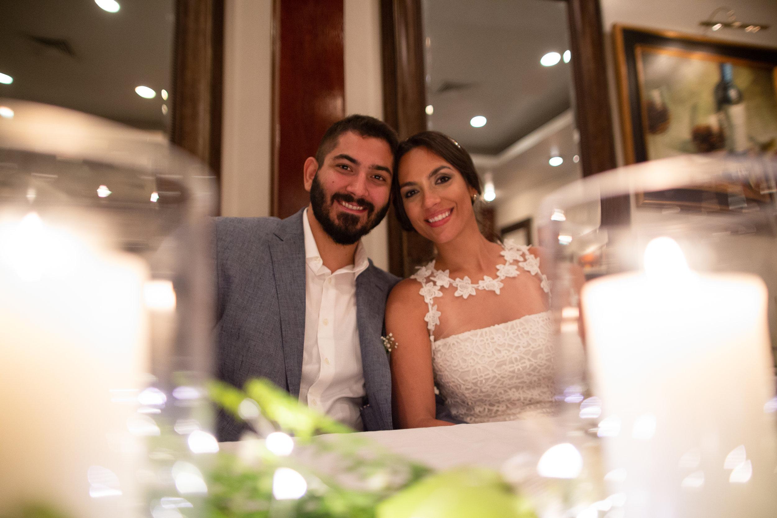 Mi maridito y yo en nuestra boda. Imagen tomada por Sky Lens Media.