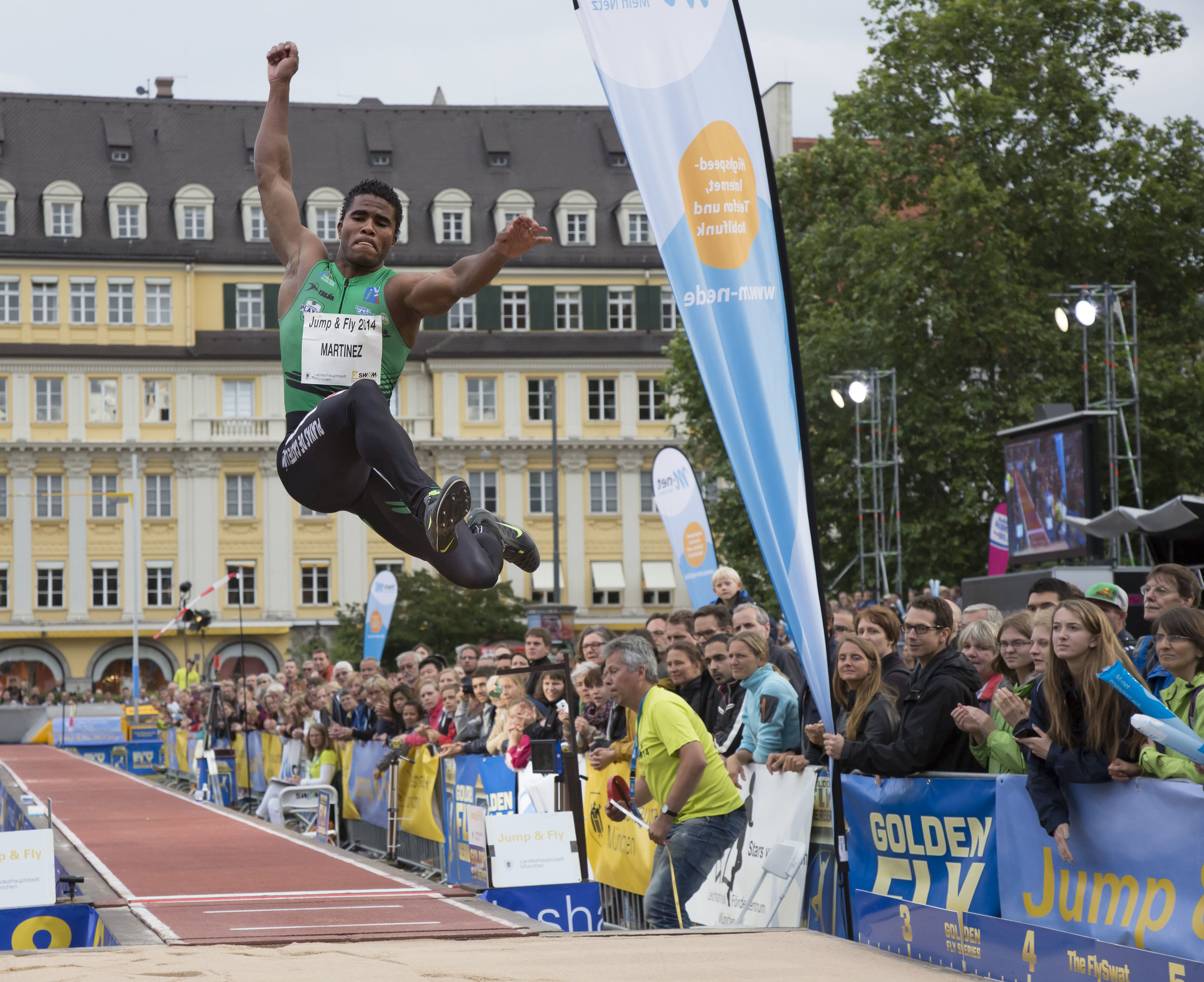 Jump_and_Fly_Munich_Martinez_by_Marcus_Buck.jpg