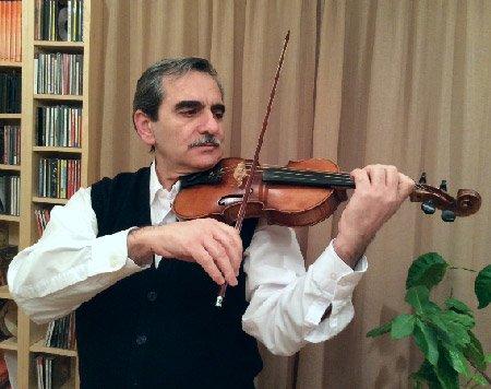 Tigran-Dolukhanyan-violin-teacher-fortepiano-music.jpg