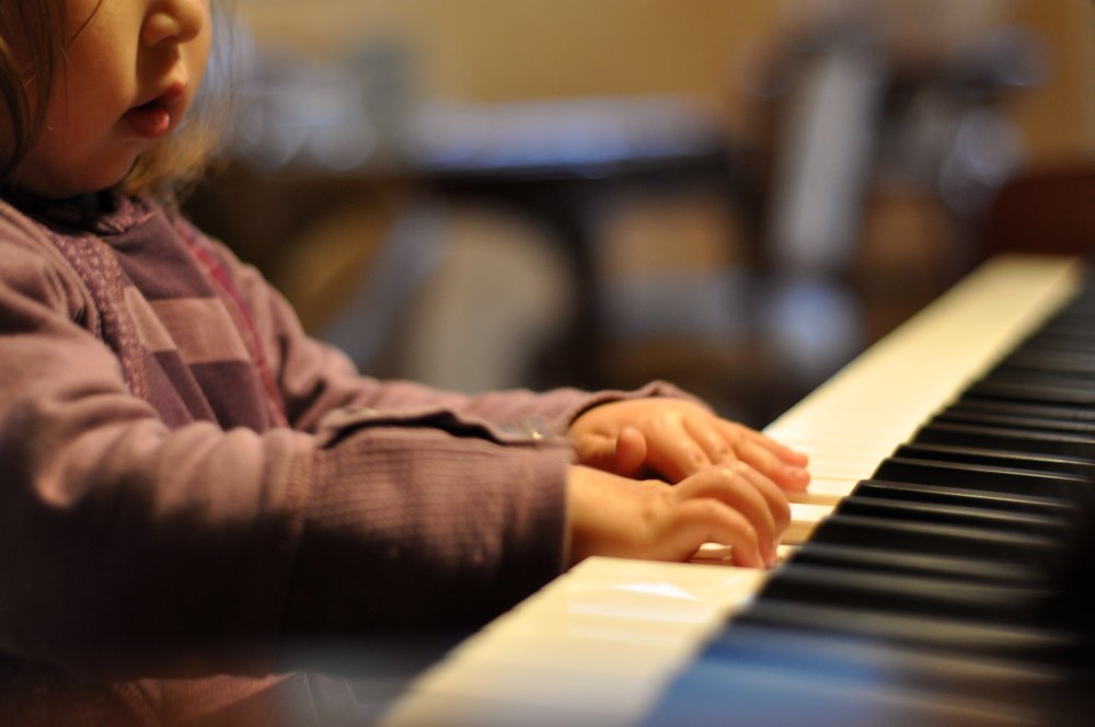 Playing an instrument at an early age improves coordination. In Winchester, our school introduces piano to children as young as 3 years in our Notes In Motion, early musical education group classes.