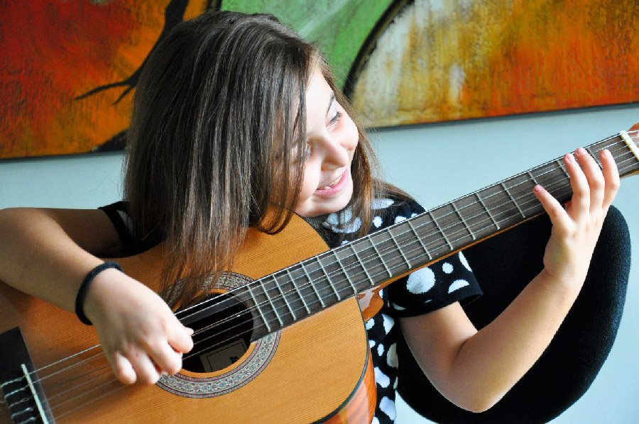 Guitar lessons help improve coordination and balance
