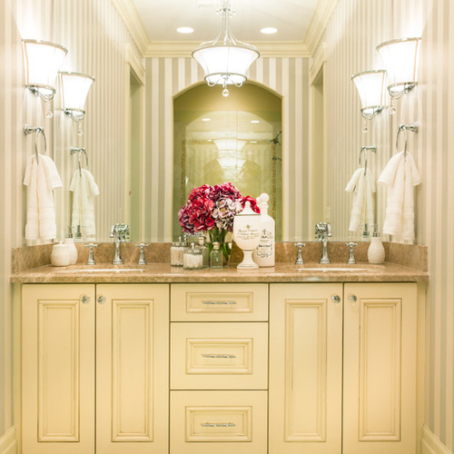 <h1>EAGLEWOOD RESIDENCE</h1><strong><h3>ÉPOQUE STYLE</h3></strong>