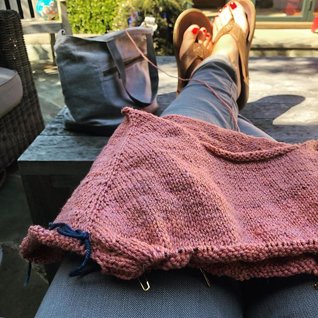Friday afternoon vibes, before I get back to the spreadsheets... what are you knitting this weekend?