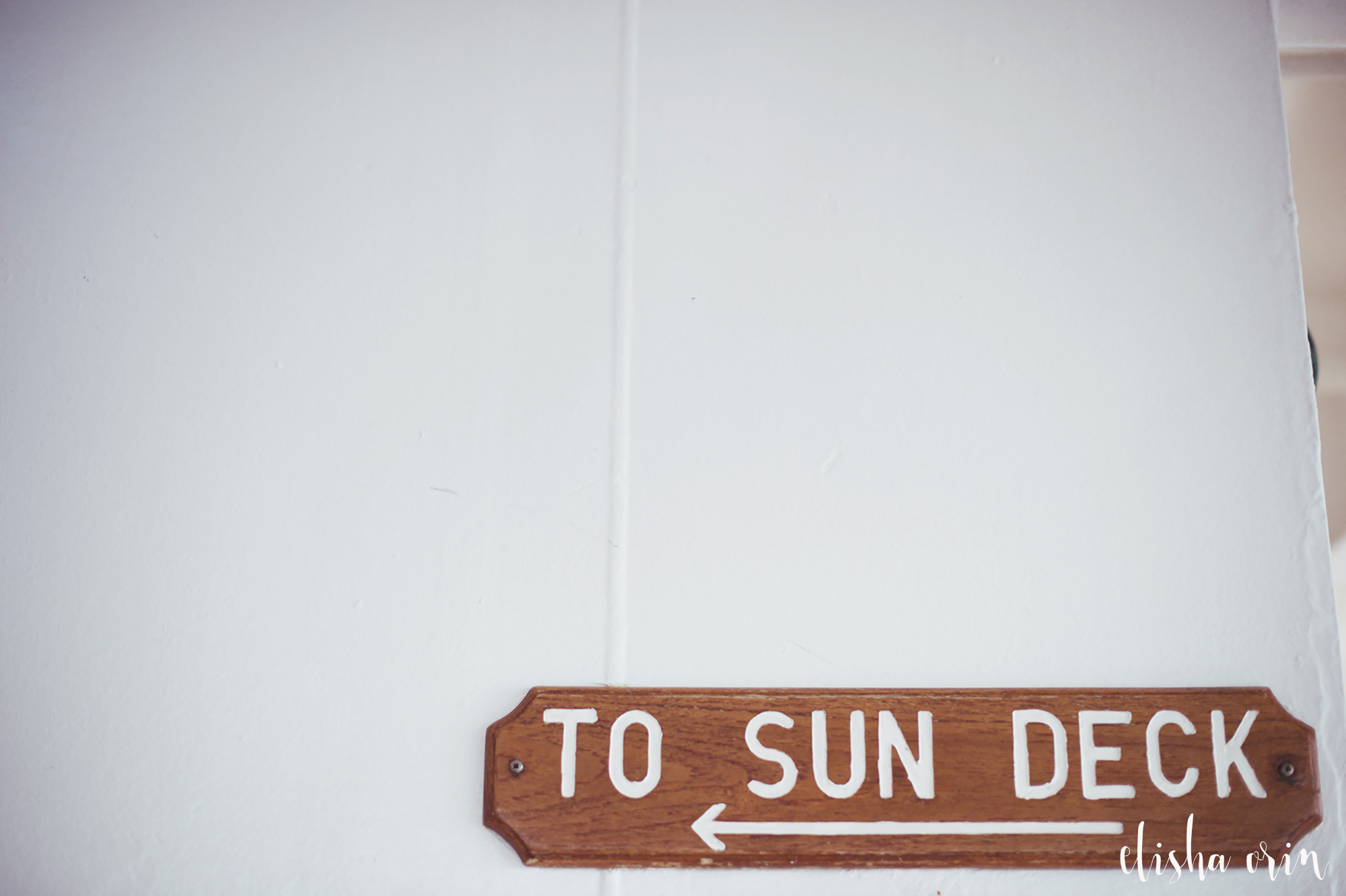 sign-that-says-to-sun-deck-wedding-in-st-barts
