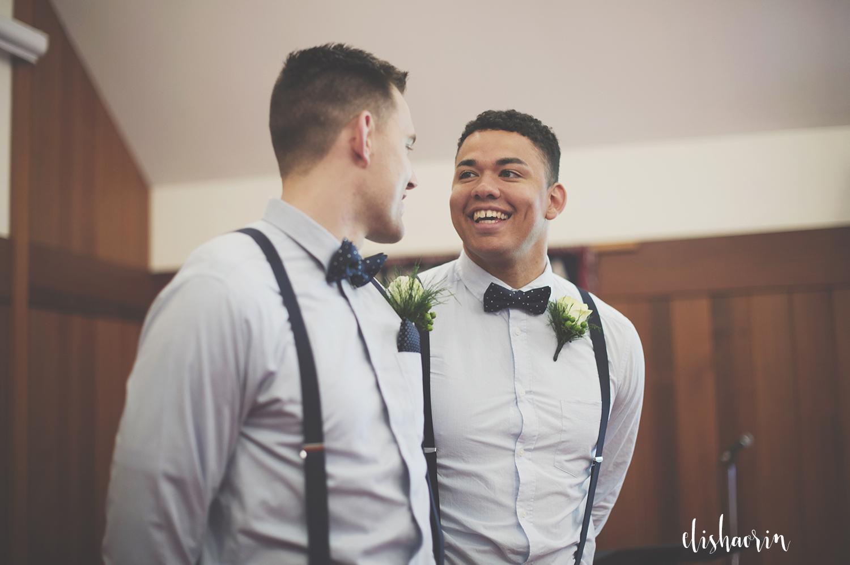 groom-smiling-at-best-man