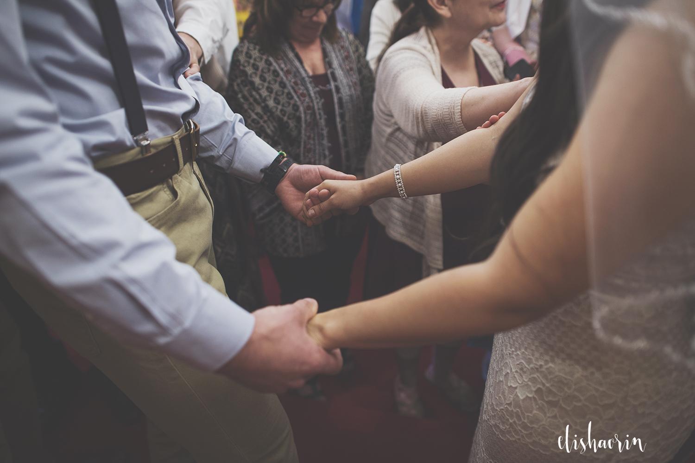 bride-and-groom-praying