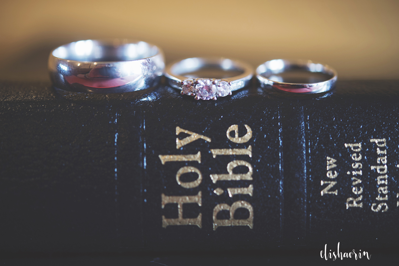 rings-on-bible