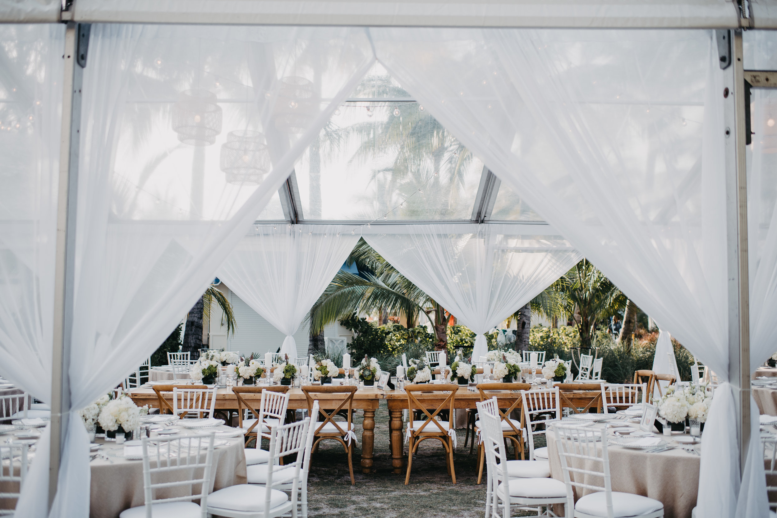 i love this set up by wild flower events in nassau Bahamas They are a sure top pick for Caribbean florist