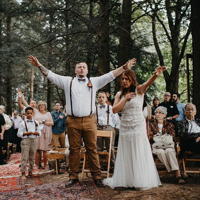 When your best friends get married and you feel warm and fuzzy every second since . #iloveyouguys! #tryingnottotextonyourhoneymoon #yourmyhallmarkmovie #worshippers #brideandgroomlovejesus #jesus #worthyofitall #redrugs #woodswedding #handslifted #focusonthefamily @brockhend #kristindoesnthavesocialmedia