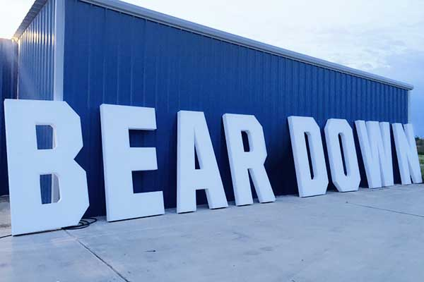 giant advertising letters