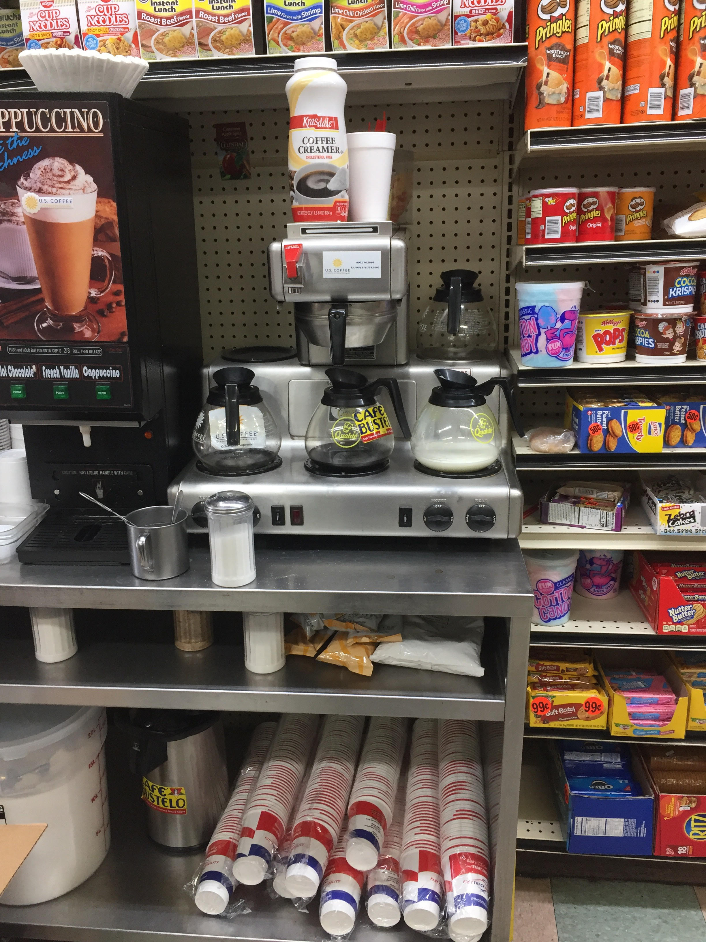 Massivemedia provides coffee cup advertising in Delis in New York City
