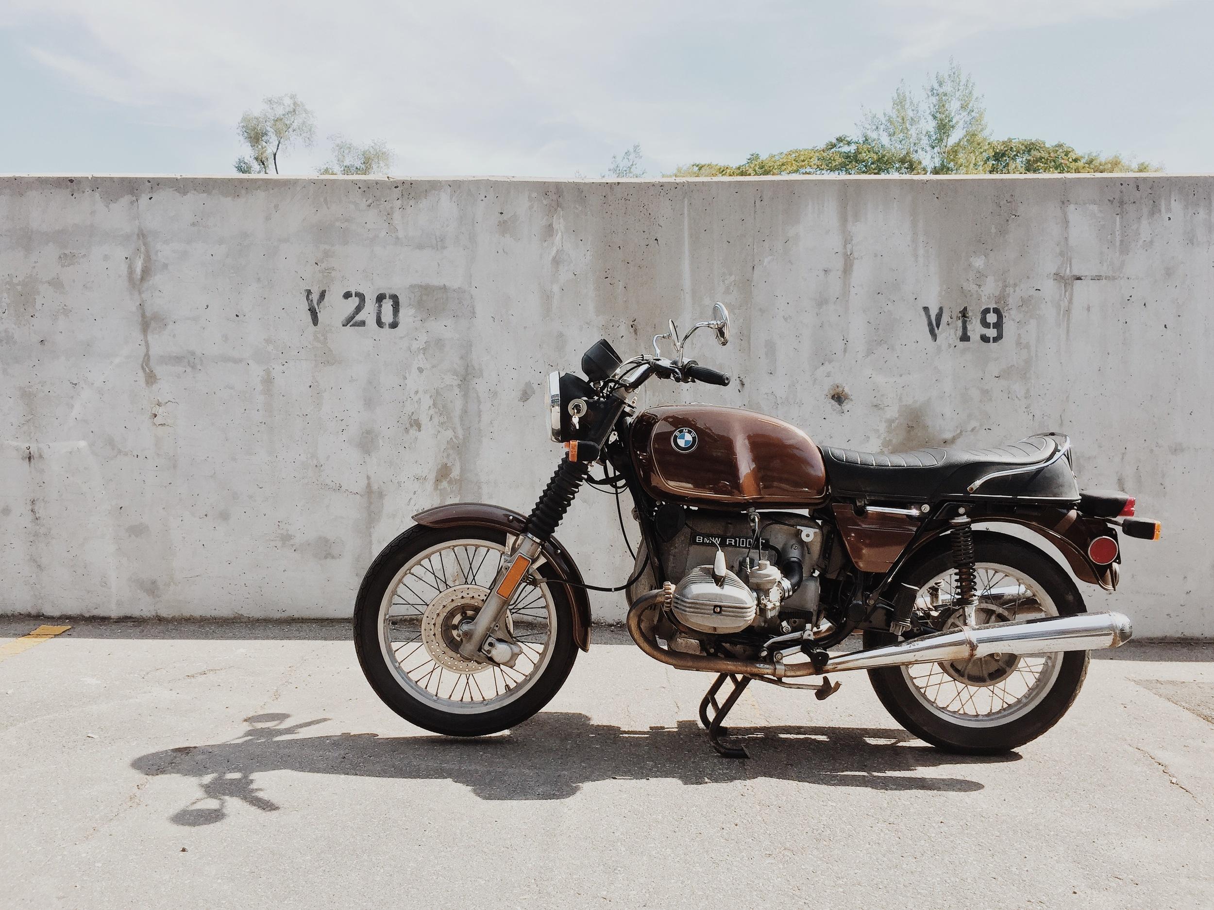 Sam's Bike | 1978 BMW R100/7 | #SamsMomBike | TheMotoSocial.com