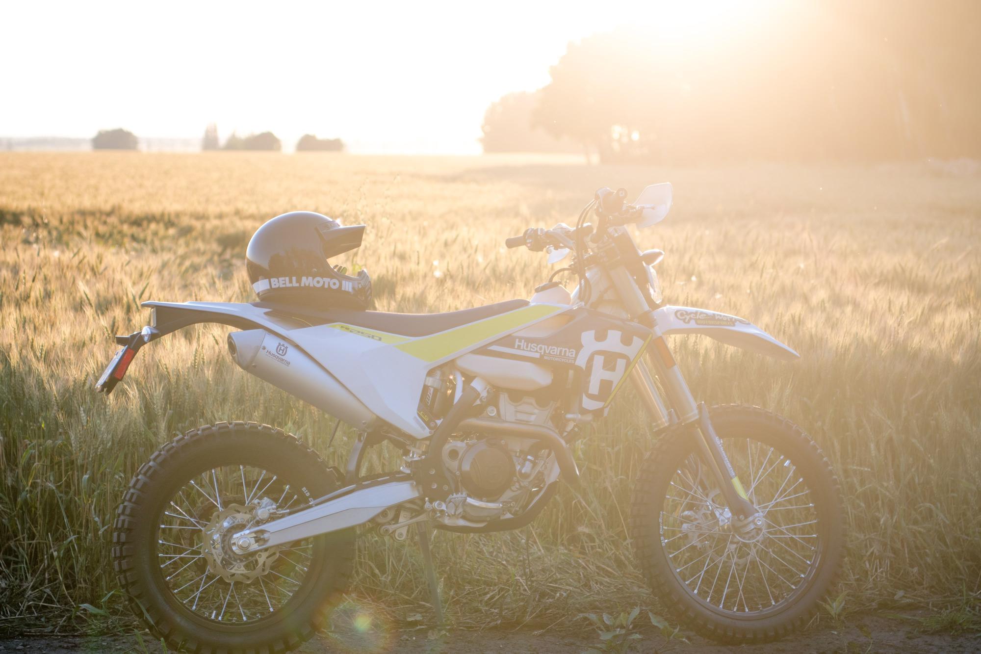 Ashleigh Kaliszuk's Ride   Husqvarna FE250   #TheMotoSocialEDMONTON