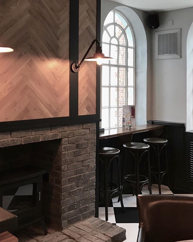 Throwback to the renovation of a pub and restaurant in Twickenham.  We worked closely with the client to develop an interior design template that could be rolled out across several sites. . . . #interiordesign #sampsonassociates #pubdesign #pubinteriors #bardesign #restaurantdesign #hospitalitydesign #londoninteriordesigner #twickenham