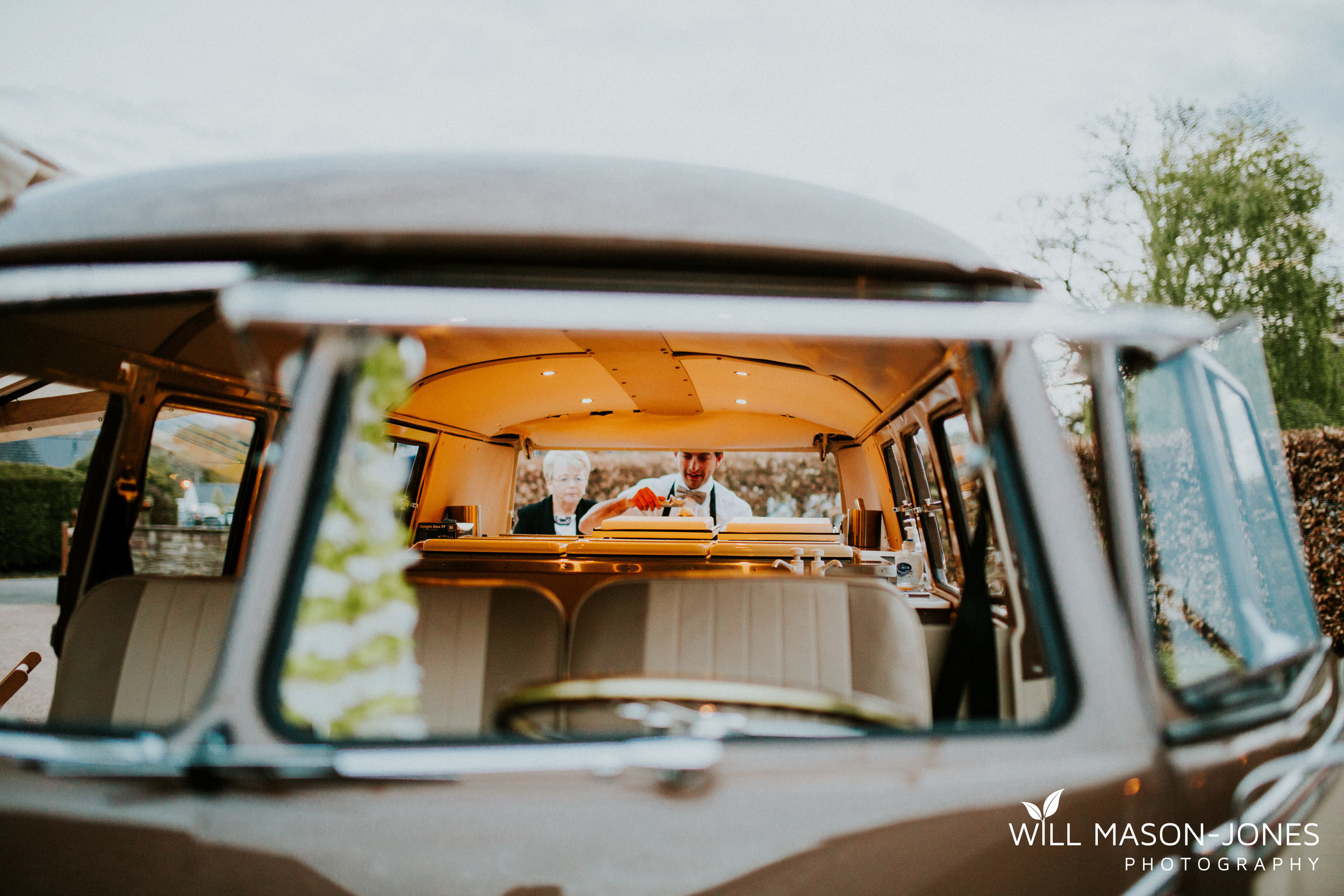 barn-y-brynych-brecon-swansea-wedding-photographer-cardiff-30.jpg