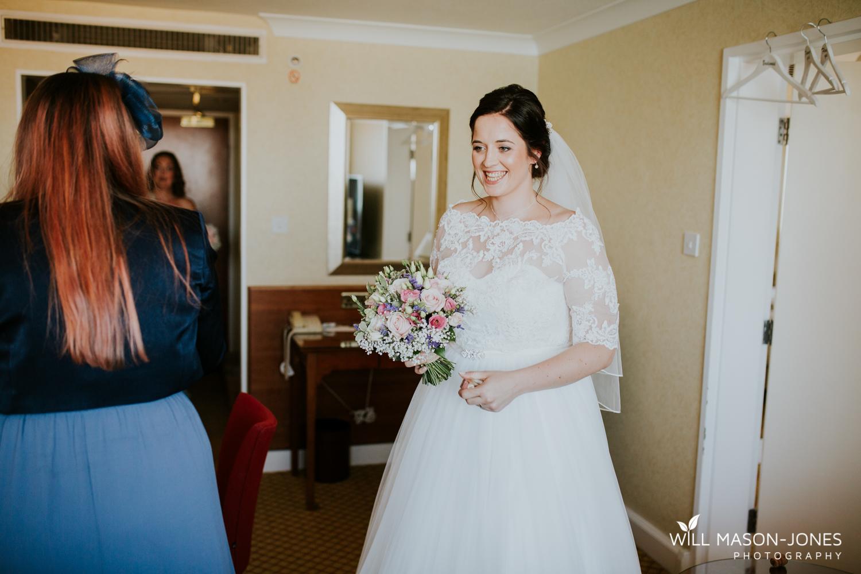marriott hotel cardiff wedding photographer bridal preparations