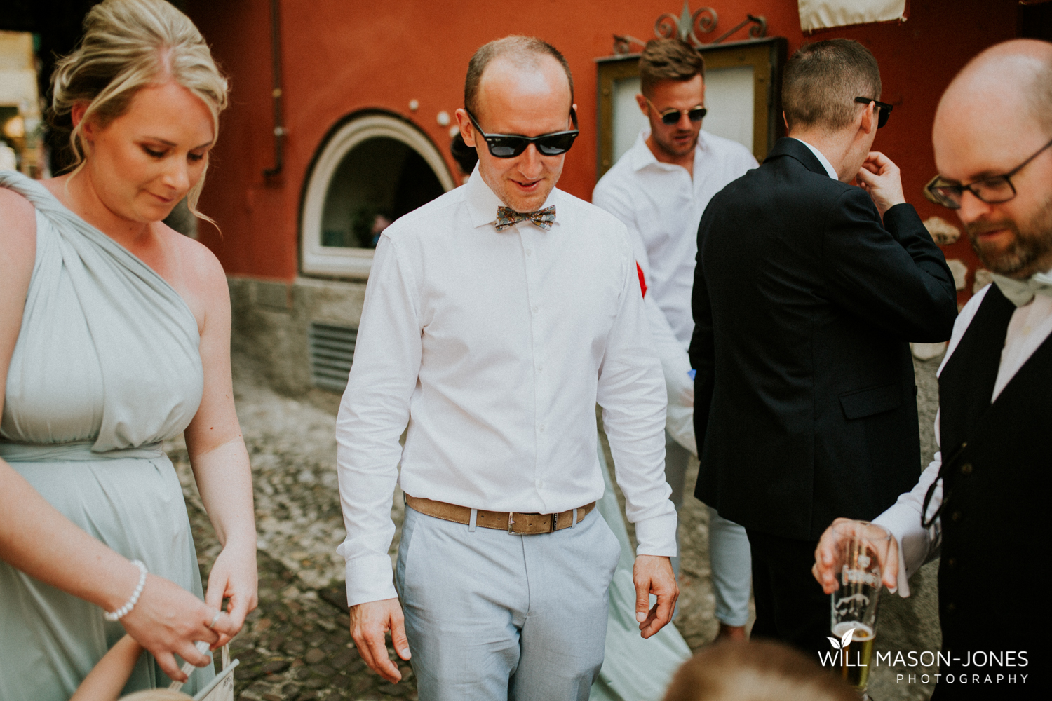 lake garda weddings guests at malcesine castle photographer