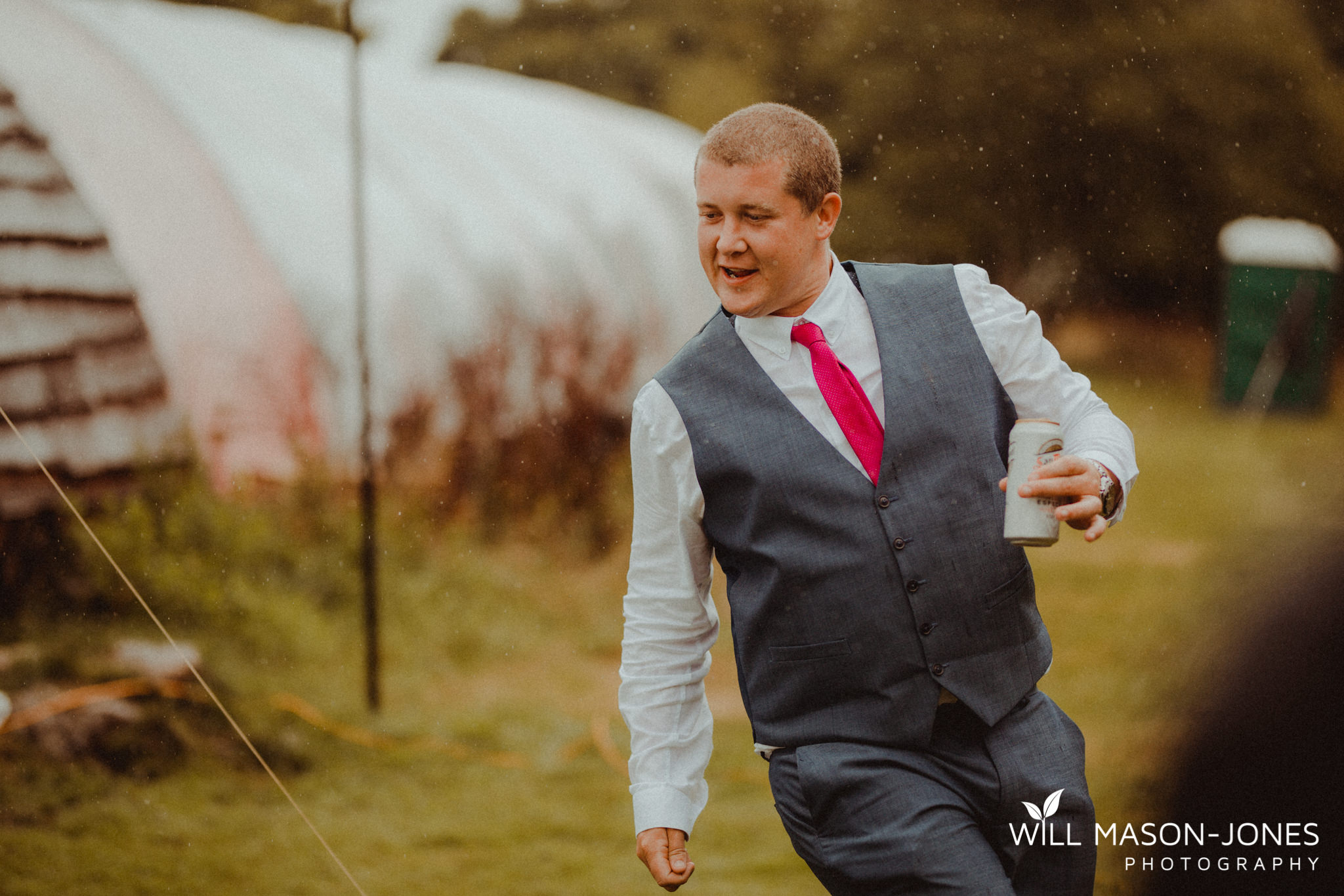 outdoor-wet-rainy-wedding-uk-swansea-photography-16.jpg